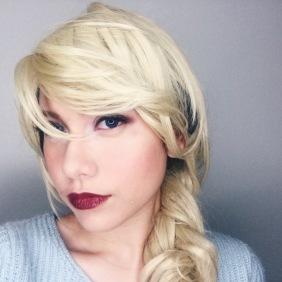 Smize, Elsa